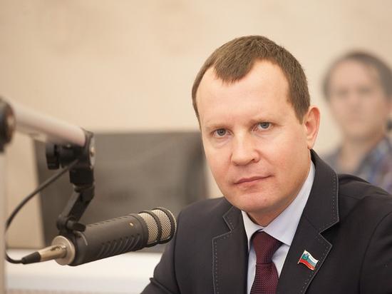 Олег Брячак рассчитывает, что в ноябре дети пойдут в школу