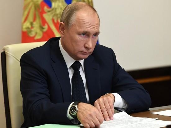 На фоне тревожных сигналов из регионов, где перестали справляться с наплывом пациентов, Владимир Путин напомнил губернаторам об их личной ответственности за происходящее