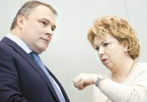 Владимир Путин поддержал идею главы думского Комитета по культуре Елены Ямпольской — ввести в законодательство норму, запрещающую приравнивать действия советской стороны во время Второй мировой войны к действиям нацистов