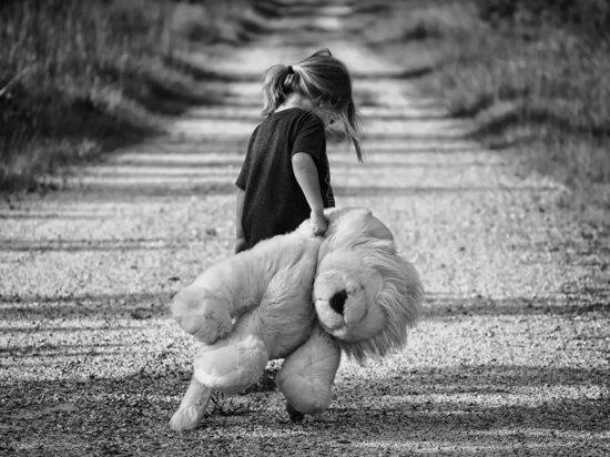 Сахалинец 3 года насиловал малолетнюю дочь и выкладывал порно в Сеть