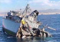 Контейнеровоз разрезал военный корабль надвое