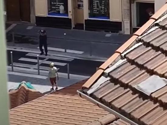 В Ницце полицейские в ходе задержания устроившего бойню в церкви Нотр Дам мужчины ранили его, сообщают французские СМИ