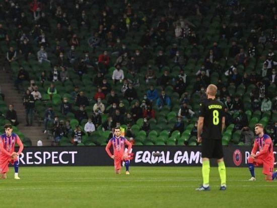 Не вставших на колени футболистов «Краснодара» обвинили в расизме