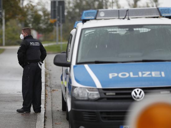 Автомобиль протаранил группу людей в немецком городе Кемпен