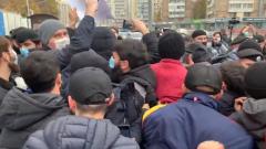 Кадры беспорядков у посольства Франции в Москве оказались жесткими