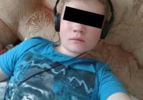 """Отчима и мать 16-летнего юноши из татарского Кукмора, которого застрелили после  нападения  на отдел полиции с """"коктейлями Молотова"""", увезли на допрос силовики"""