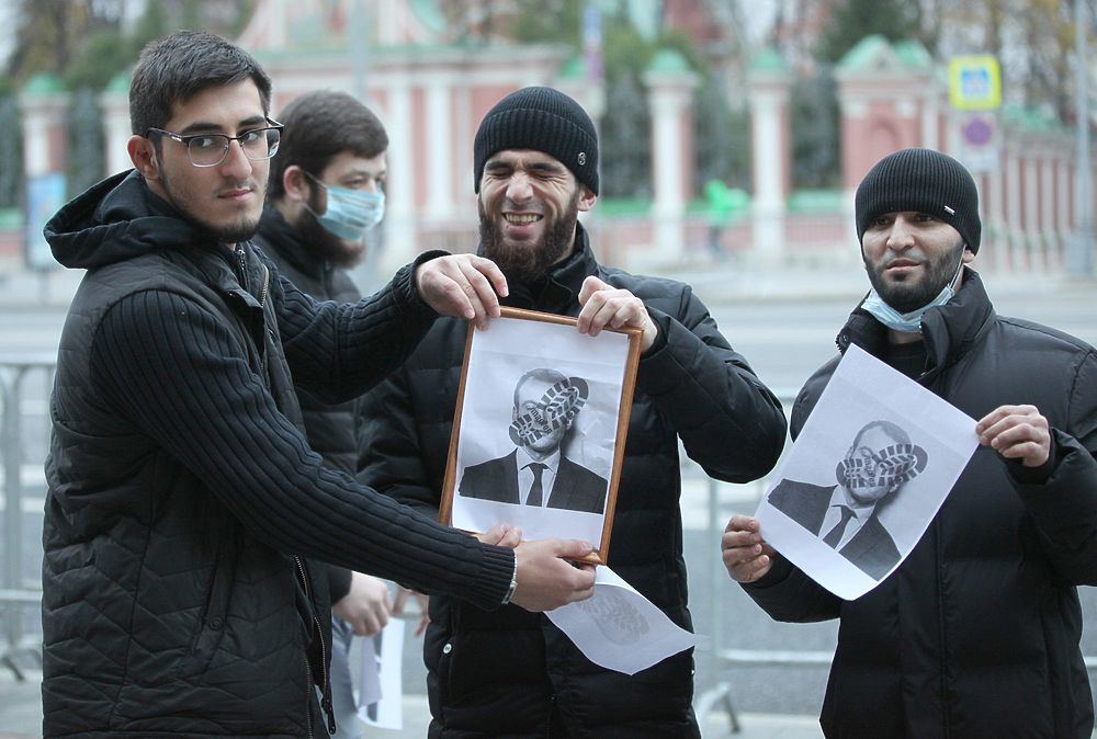 Кто бунтовал у посольства Франции в Москве: задержания мусульман