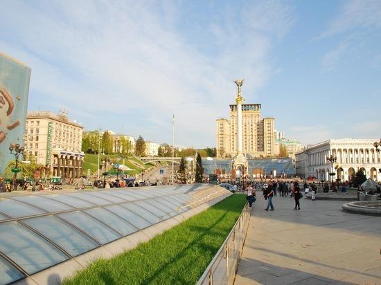 Киев: Украина потеряет безвиз с ЕС, если не преодолеет конституционный кризис