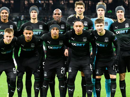 Читатели Daily Mail заступились за футболистов «Краснодара», отказавшихся встать на колено перед матчем группового этапа Лиги чемпионов с командой «Челси» 28 октября