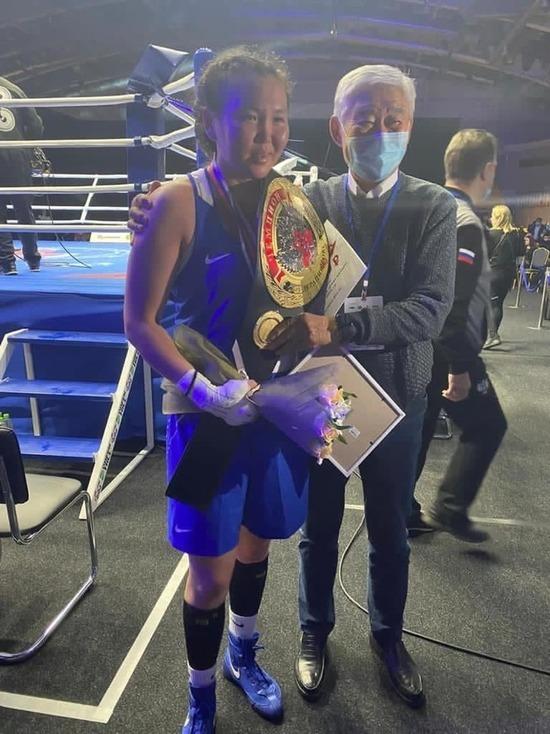 Спортсменка из Бурятии завоевала титул Чемпионки России по боксу