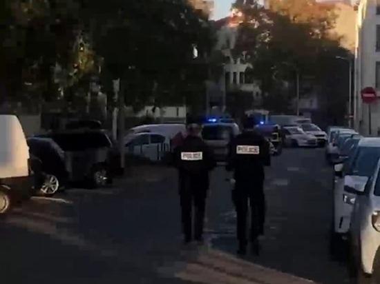 Как минимум один человек пострадал в результате стрельбы у греческой церкви