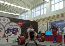 Спортсмен из Нового Уренгоя взял 3 «золота» на чемпионате России по силовому троеборью