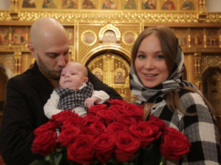 Яна Поплавская рассказала об удивительной особенности новорожденного внука