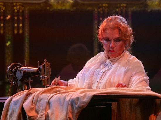 В «Школе современной пьесы» показали семейную драму о жизни великого писателя