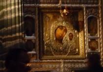 У Казанской Божией Матери сама миролюбивая, пожалуй, репутация – заступницы