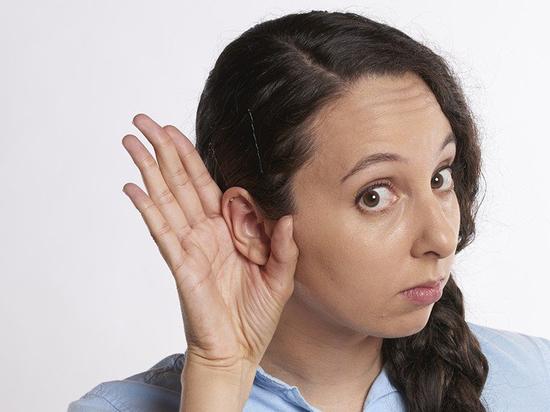 Ученые объяснили шум в ушах при коронавирусе