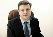Главврач лечившей Навального больницы стал главой омского Минздрава