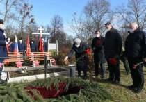 Под Тулой торжественно захоронили останки красноармейцев