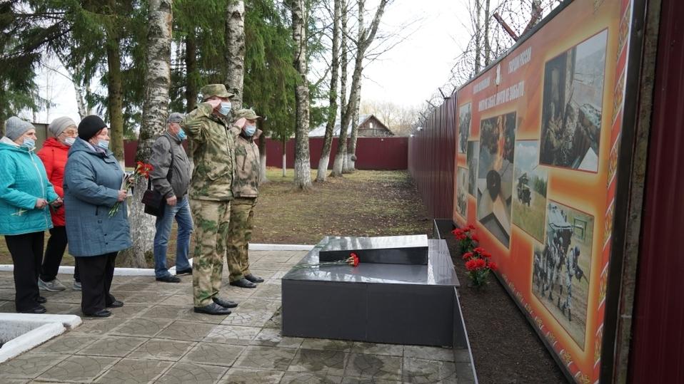Память погибших сотрудников ОВД почтили в Пскове, фото-3