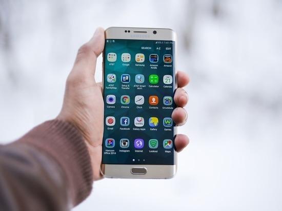 Нижегородка лишилась смартфона на улице Рябцева