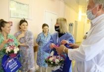 Это уже стало доброй традицией в рамках партийного проекта «Единая Россия» поздравлять молодых мам с рождением детей