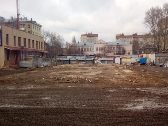 В Кирове демонтировали старый павильон Октябрьского рынка