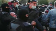 Мрачное видео протестов и задержаний в Ереване показало настрой Пашиняна