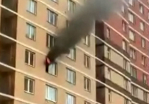 В результате пожара на 8-м этаже дома по Чистопольской улице в Балашихе, где погибли мать и двое детей, выжила 3-месячная девочка