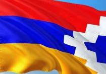 Армяне начали сжигать свои дома в Арцахе