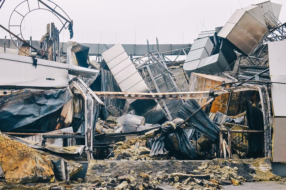 Последствия пожара в ТРЦ «М5 Молл»: утренние кадры
