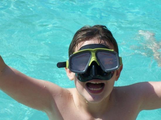 Около 60% школьников в Германии не умеют плавать, ситуация обостряется