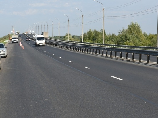До 20 декабря на новом мосту в Кирове установят 75 светильников