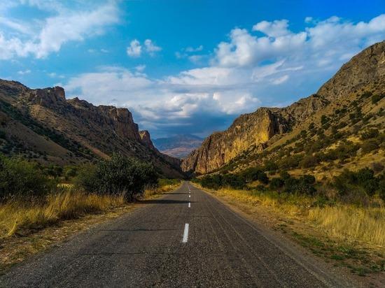 Пашинян: между Арменией и Россией нужны новые сухопутные дороги