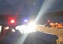 Четыре человека пострадали в результате удара Лады об ограждение на свердловской дороге