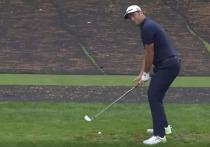 Фантастический удар гольфиста Йона Рама стал самым популярным спортивным видео недели – всего за несколько дней ролик с записью этого момента собрал несколько десятков миллионов просмотров на разных платформах и продолжает бить рекорд за рекордом. «МК-Спорт» рассказывает подробности.