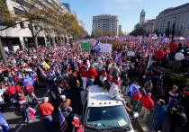 Многотысячная демонстрация в поддержку Дональда Трампа в американской столице переросла в столкновения с противниками действующего президента США