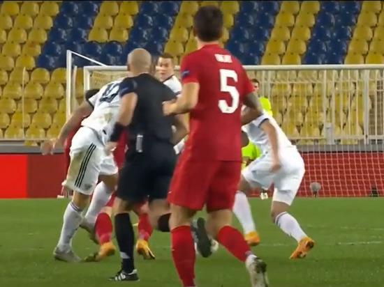 Черчесов похвалил сборную РФ за достойную игру с командой Турции