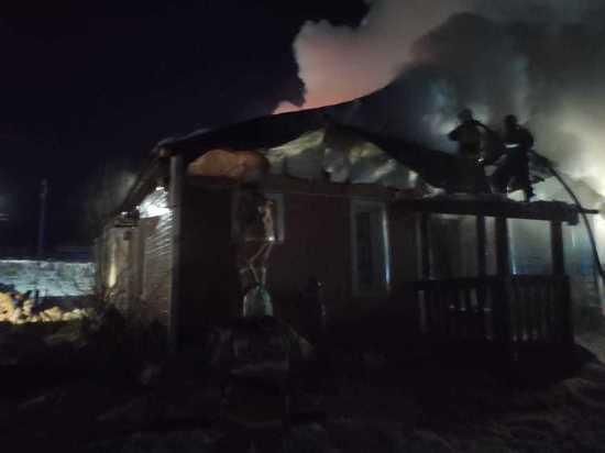 Продолжается тушение жилого дома в с. Майя Мегино-Кангласского района Якутии