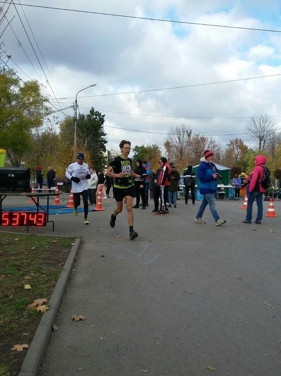 Ставропольский спортсмен пробежал сотню километров в Ростове и победил