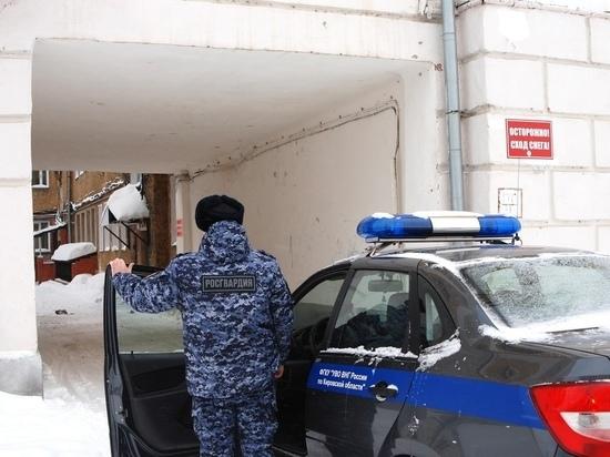 Рецидивист в Кирове безуспешно попытался выпить за чужой счёт