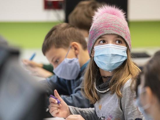 Ассоциация учителей Германии требует обязательного ношения масок в школах