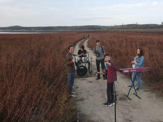 В Крыму сняли клип на дне водохранилища