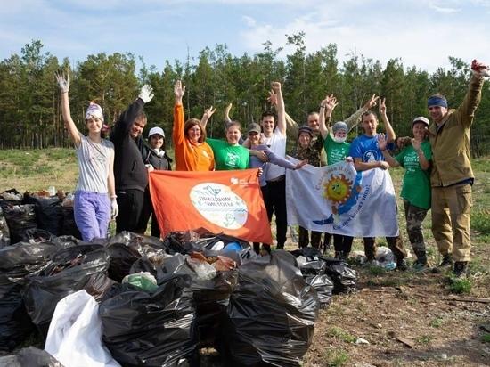 Иркутская студентка ликвидирует огромную свалку на Байкале
