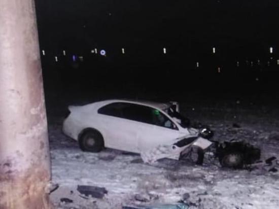 В Чебоксарах Skoda Rapid врезалась в столб, водитель погиб