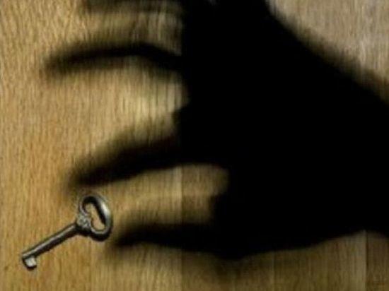 Жительница Чувашии обманом завладела долями квартиры знакомой пенсионерки