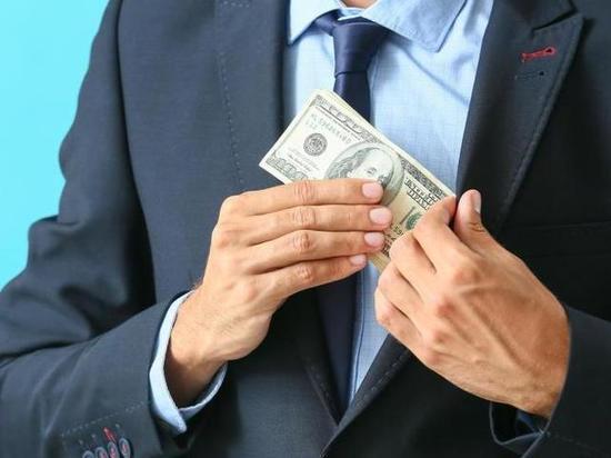 В Тверской области осудили мужчину за подкуп и мошенничество