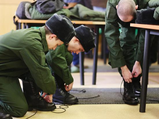 Новобранцев отправляют в войска только после теста на коронавирус