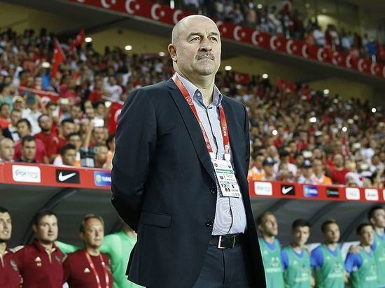 Главный тренер сборной России оценил свое решение об отстранении капитана команды после скандала