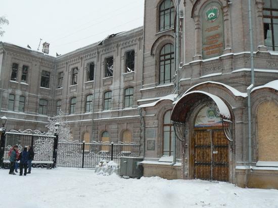 Областные власти не видят смысла в использовании зданий ТВМИ и Военного Госпиталя