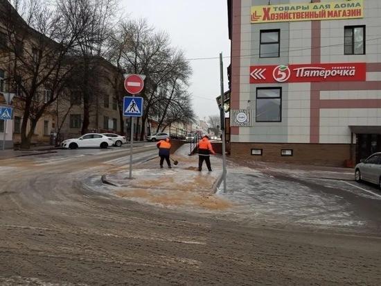 """Денисов поставил """"двойку"""" коммунальщикам за тротуары"""